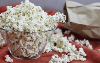 The birth of popcorn on couch
